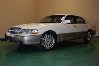 2003 Lincoln Town Car Signature Edition